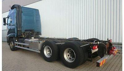 لدينا للبيع شاحنه فولفو fh13-520