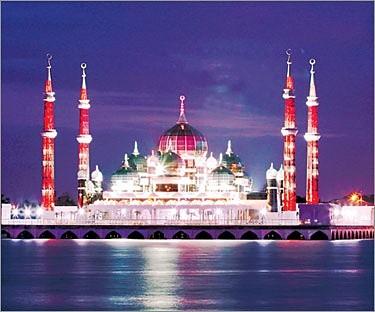 مسجد الكريستال بماليزيا 935697604
