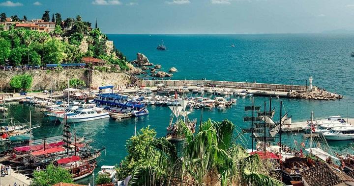 انطاليا التركية تعيش الفصول الاربعة في يوم واحد!! 192250227.jpg