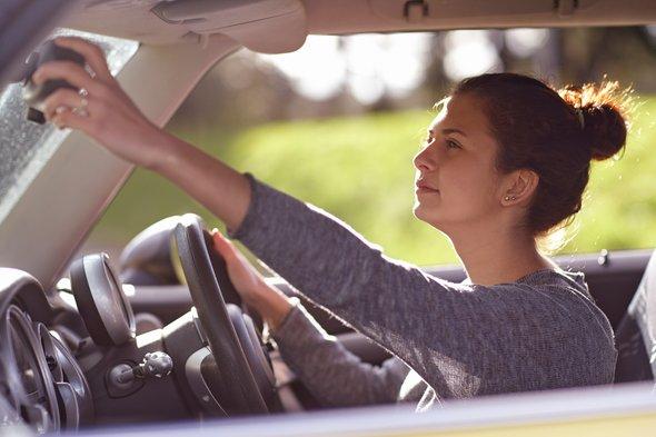 ما السنّ المثالية لتعلّموا أولادكم قيادة السيارة؟